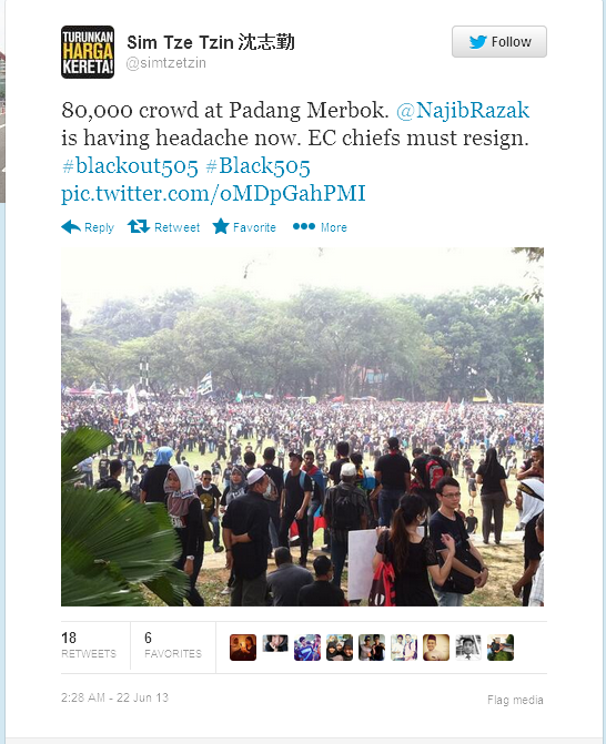 Twitter simtzetzin 80,000 crowd at Padang Merbok